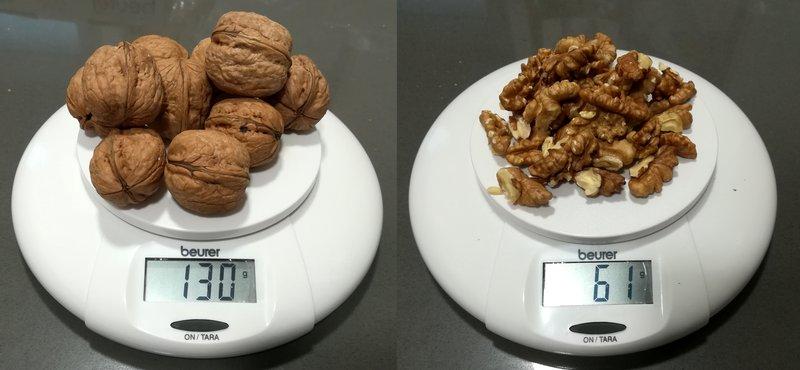 Peso en báscula de nueces con y sin cáscara