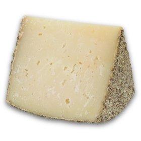 Cuña de queso de oveja añejo al romero Gran Campoestrella