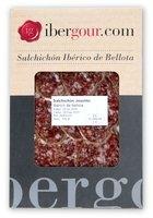 Salchichón ibérico de bellota de Extremadura en lonchas en un estuche